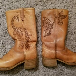 Shoes - Vintage boho designed (burned) leather boots
